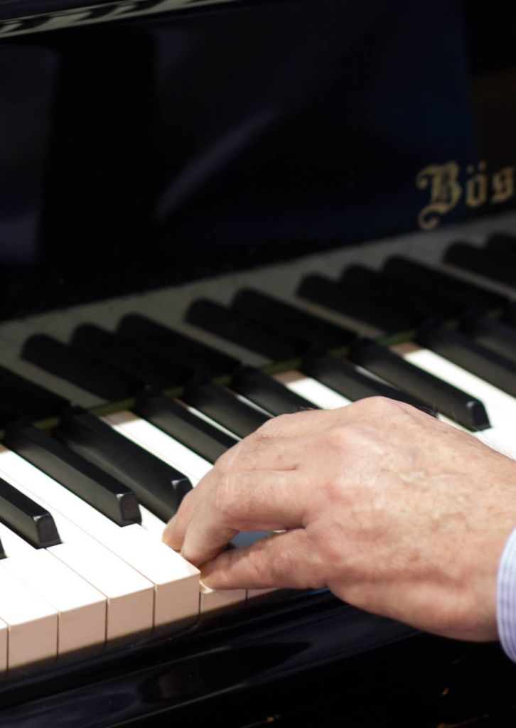 Piano lessons with Fiona Robinson in Sheffield and online